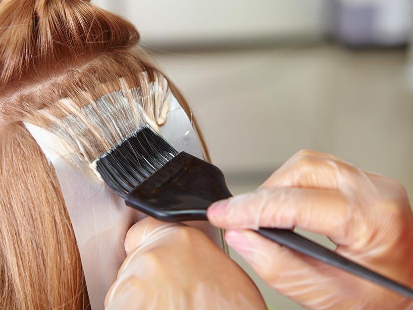 La tinta per capelli: amica o nemica della chioma?
