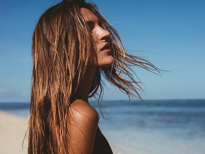 Gli effetti dell'acqua salata sui capelli