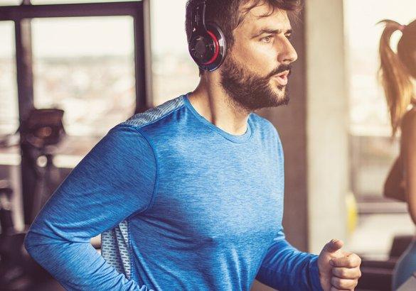 Sport e capelli: quali sono gli effetti dell'attività fisica sulla chioma?