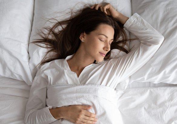 Dormire fa bene ai capelli?