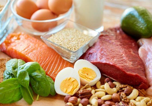 Gli alimenti anticaduta: le proteine