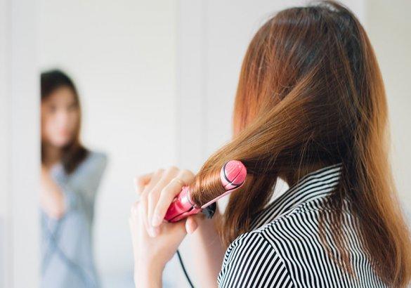 Soluzioni anticaduta: i comportamenti da evitare per non danneggiare i capelli