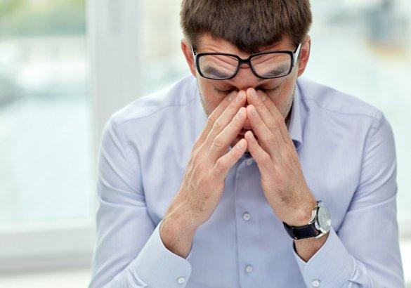 Perdita capelli da stress: quali sono le cause e i rimedi